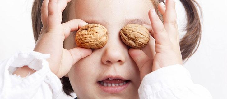 Có nên cho trẻ ăn quả óc chó hay không? 2