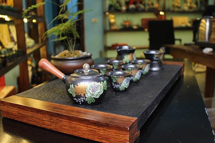 ấm trà tàu ảnh hưởng và thịnh hành tại việt nam