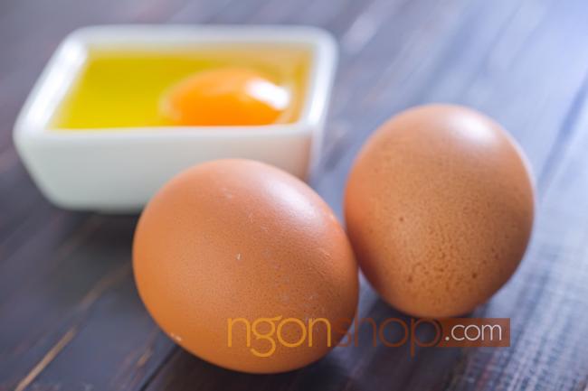 Thịt và trứng giúp bổ sung sắt