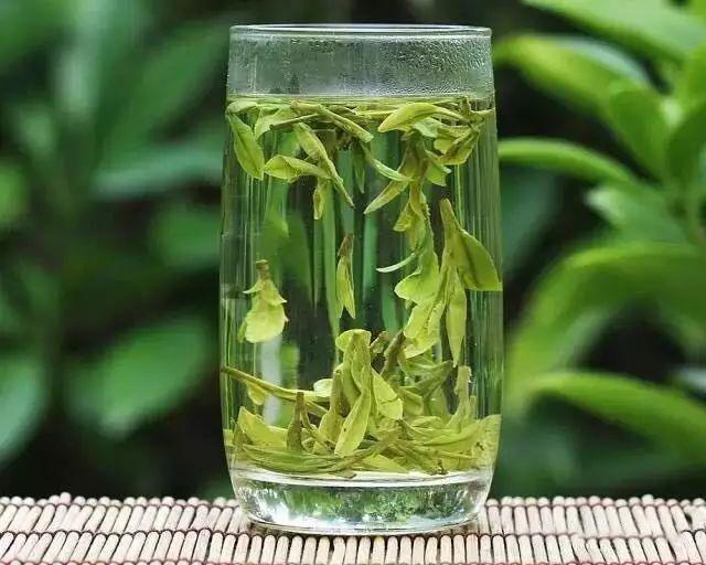 pha trà long tỉnh