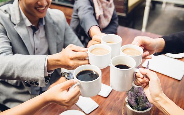 Cà phê có lợi cho nhân viên văn phòng