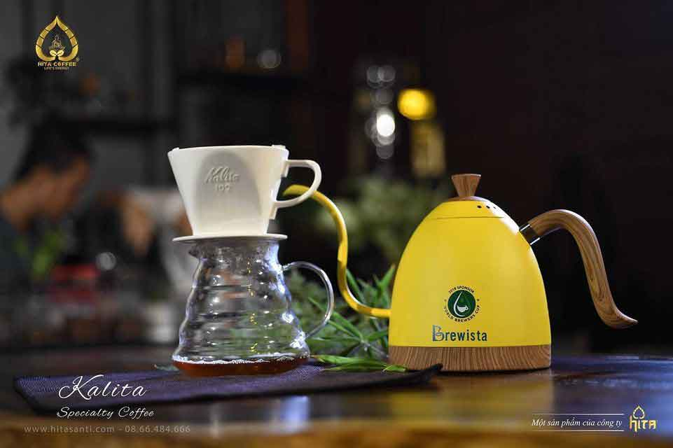 Drip coffee - Hand Drip - Pour Over Coffee